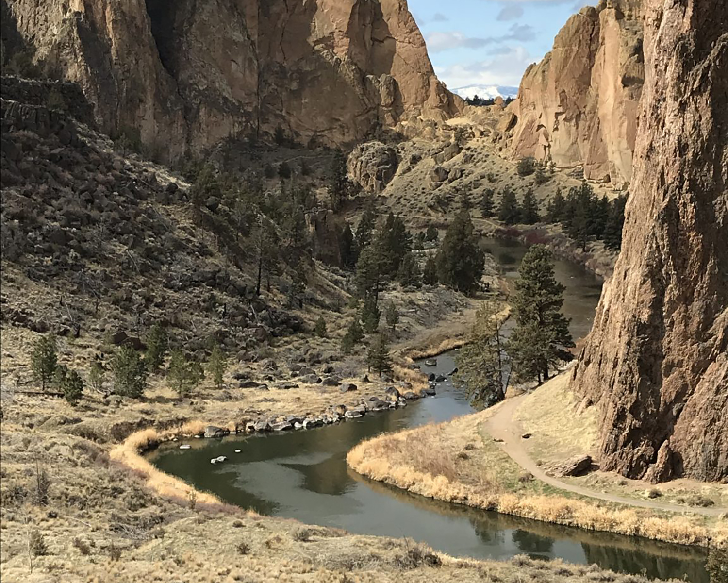 A view of Crooked River slowing through Smith Rock